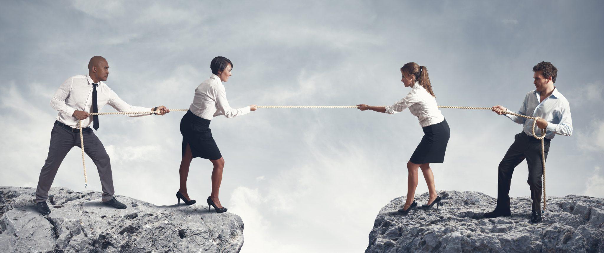 תחרות בין עסקאות נוגדות
