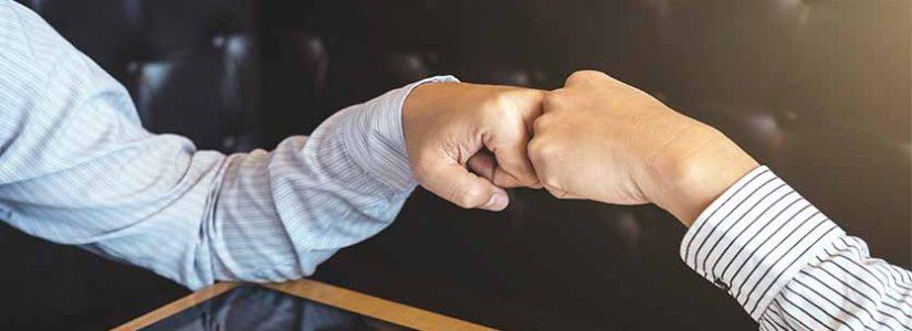 """הסכם החזקת מניות בנאמנות – מדוע? ואיך צריך לעשות את זה נכון? טלי קסלר, עו""""ד"""